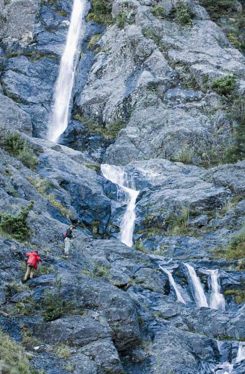 Trekking-at-Peuma-Hue-8